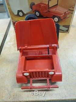 Vintage Marx Johnny West RARE jeep and horse trailer set